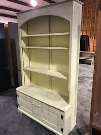 Cabinet/ Hutch with drawers underneath  Sevierville, 37862