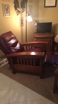 "Leather Recliner ""lazy boy"" very good shape Burke, 22015"