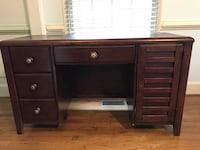 Brown wooden desk with hutch Columbia, 21044