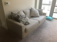 FREE COUCH- MUST BE PICKED UP TODAY 7.23 Washington, 20003