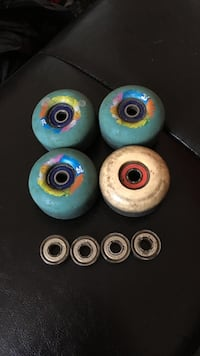 blue and white skate board wheels set and bearing set