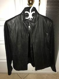 Leather jacket size S women (can fit M too) Laval, H7X 4E4
