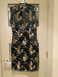 Very sexy Qipao/Cheongsam dress with side slits size 34 like a 4