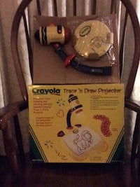 Crayola ,Trace & Draw Projector for ages 3 + Glenshaw, 15116