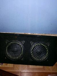black and gray subwoofer speaker Milwaukee, 53233
