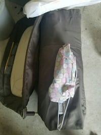 Graco pack and play with bassinet 606 mi