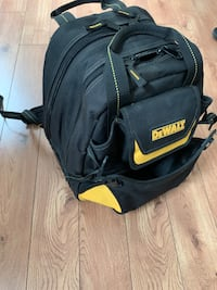 Backpack tool dewalt