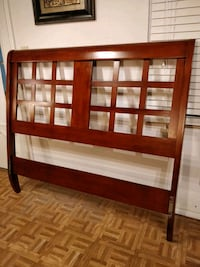 Solid wood modern Queen headboard in very good con Annandale, 22003