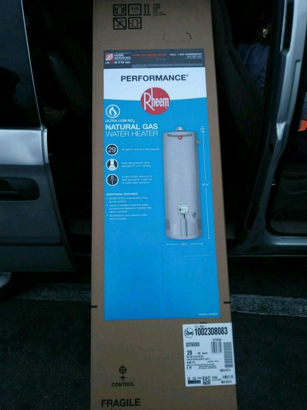 29 Gallon water heater. Rheem. Brand new