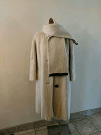Vintage white winter coat with matching scarf Kitchener, N2N 2X3
