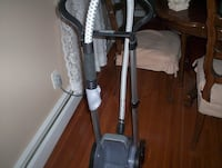 NEW  GARMENT/UPHOLSTERY STEAMER   COMES  W/ATTACHMENTS Lake Grove