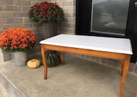 Rustic Coffee Table | $25 Vaudreuil-Dorion, J7V 8P2