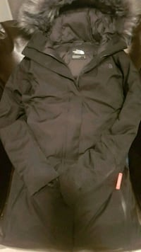 Womens brand name winter parka Edmonton, T6L 3T7