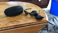 Oakley sunglasses with soft and hard case  Knoxville, 37918