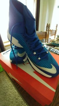 pair of blue Nike basketball shoes Clovis, 93611