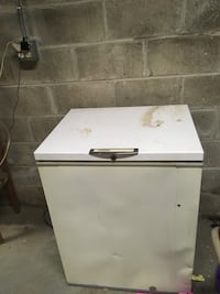 Deep freezer works barely used. $50 OBO need gone ASAP Parkersburg, 26101