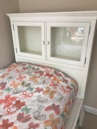 White Pottery Barn bed - VERY HEAVY! Must be able to transport. Non smoking no pet home mattress and bedding not included. Cash only - text for info  [전화번호 감추기]  North Potomac, 20878