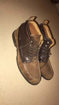 Timberland Pair of brown leather mid-rise dress shoes Sioux Falls, 57103