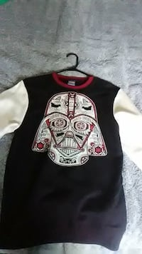 Star Wars Sweater size Small Vacaville