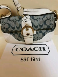 Authentic  coach  purse  Whitby, L1N 8X2