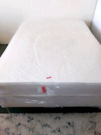 Full Size Matress And Box Spring Set  With Mirror  Albuquerque, 87106