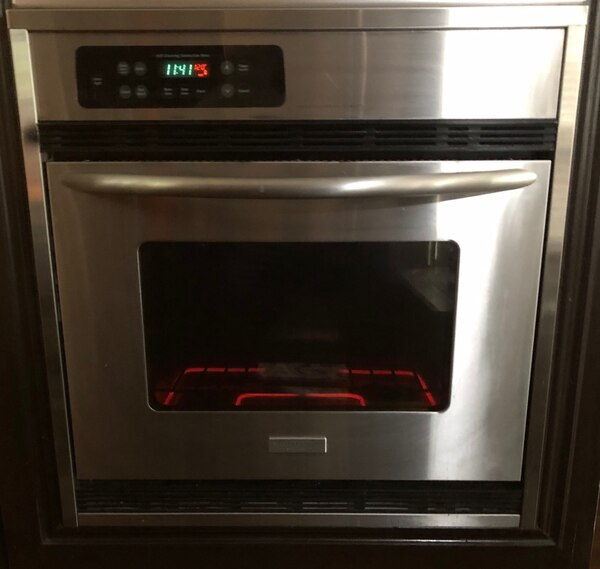 Oven Built In Excellent Condition