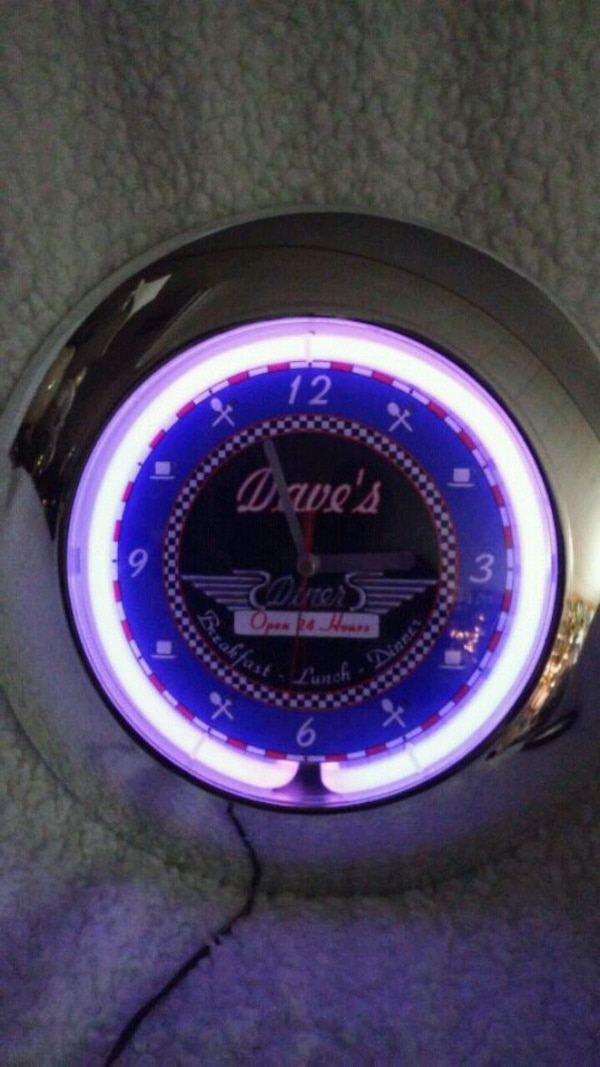 NEON WALL CLOCK SAYS DAVES DINER