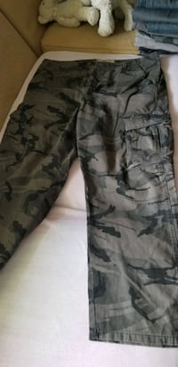 Men pants Size 38 waist X 32 length  Mississauga, L4Y 3M5