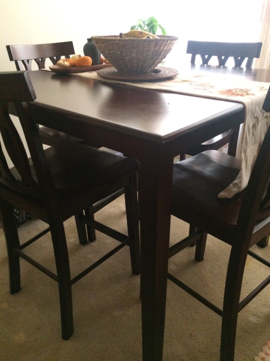 Brown wooden dining table set in Los Angeles letgo : 9a68e6478b7c0677e910bd093d165fb3 from us.letgo.com size 900 x 1200 jpeg 158kB