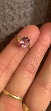 10k gold ring with amethyst  Toronto, M1R 1P4