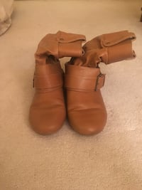 Women's Light brown boots size 8 Mississauga, L5H 3P8