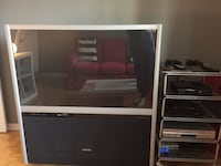 Rear projection tv free in great condition must go I'm leaving the country Montréal, H3K 2N9