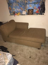 Couch Lubbock, 79403