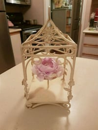 Hanging wrought iron candle holder  Whitby, L1N 8X2