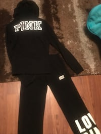 Vs pink hoodie and sweats Indianapolis, 46205