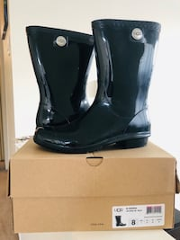 Uggs Sienna Rain Boots - Size 8 New Westminster, V3M 2M6