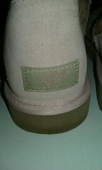 Woman's UGG boots size w9 Somerville, 02145