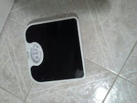 black and white dial bathroom scale Queens, 11421