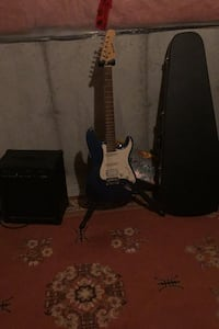 Mansfield guitar, SED-35R amp, case, and stand Richmond Hill, L4S 0A5