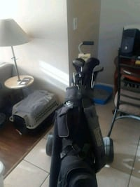 black and gray golf club set 370 mi