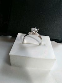 Silver simulated ring size 8