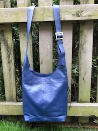 Leather crossbody bag, perfect for travel.. brand new , never used .. navy blue Surrey, V3Z