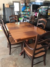 Solid Wood Dining Table w/ 6 Chairs Lynchburg, 24503