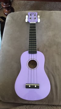 purple soprano ukulele Hampton, 23669