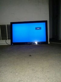32in Sceptre Flat Screen TV Oxon Hill, 20745