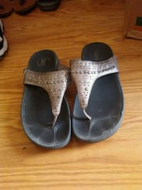 pair of gray-and-black sandals Canyon, 79015
