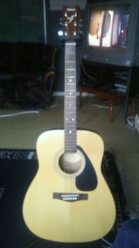 Yamaha acoustic guitar Surrey, V3V 2G6