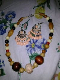 Brown beaded necklace $7 Columbus, 31904