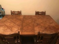 Vintage table and chairs Knoxville