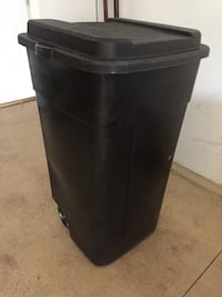 50 gallon garbage can with wheels Rockford, 61107